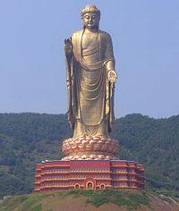statue-printemps-bouddha