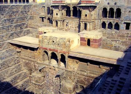 chand-baori-temples