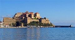 La Citadelle de Calvi depuis la plage