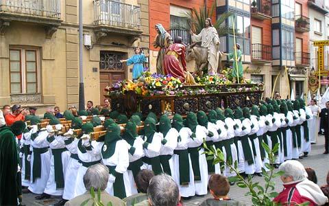 Procession pendant la Semaine Sainte à Séville