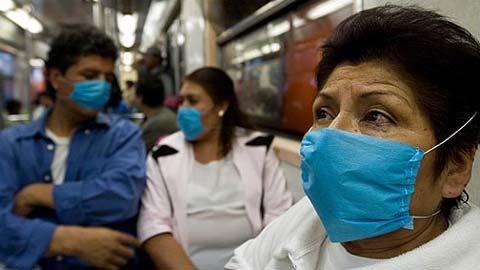 La peur du virus dans le Metro de Mexico