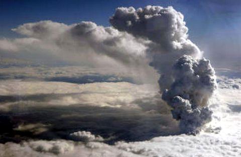 Le nuage du volcan Eyjafjöll plus radioactif que Tchernobyl