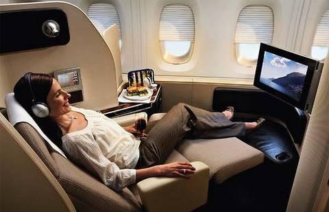 magazine du tourisme 187 actualit 233 un pilote de qantas s envoie en l air avec une passag 232 re