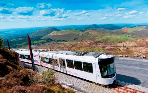 Magazine du tourisme s jours le train panoramique du puy de d me - Puy de dome office du tourisme ...