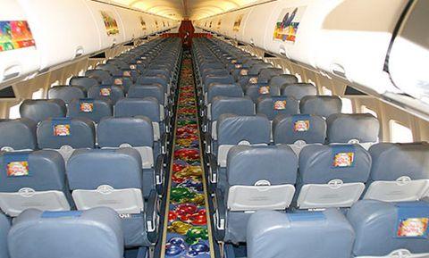Magazine du tourisme actualit air europa fait la promo for Interieur 737